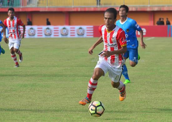 Faris Aditama bermain di Persepam Madura.